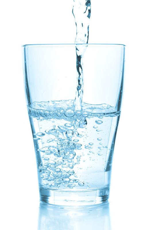 4 bonnes raisons de boire de l 39 eau pendant un r gime amaigrissant la bo te sant. Black Bedroom Furniture Sets. Home Design Ideas